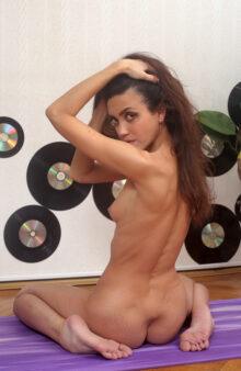 nude girls photos gallery