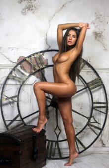erotic home girls photo